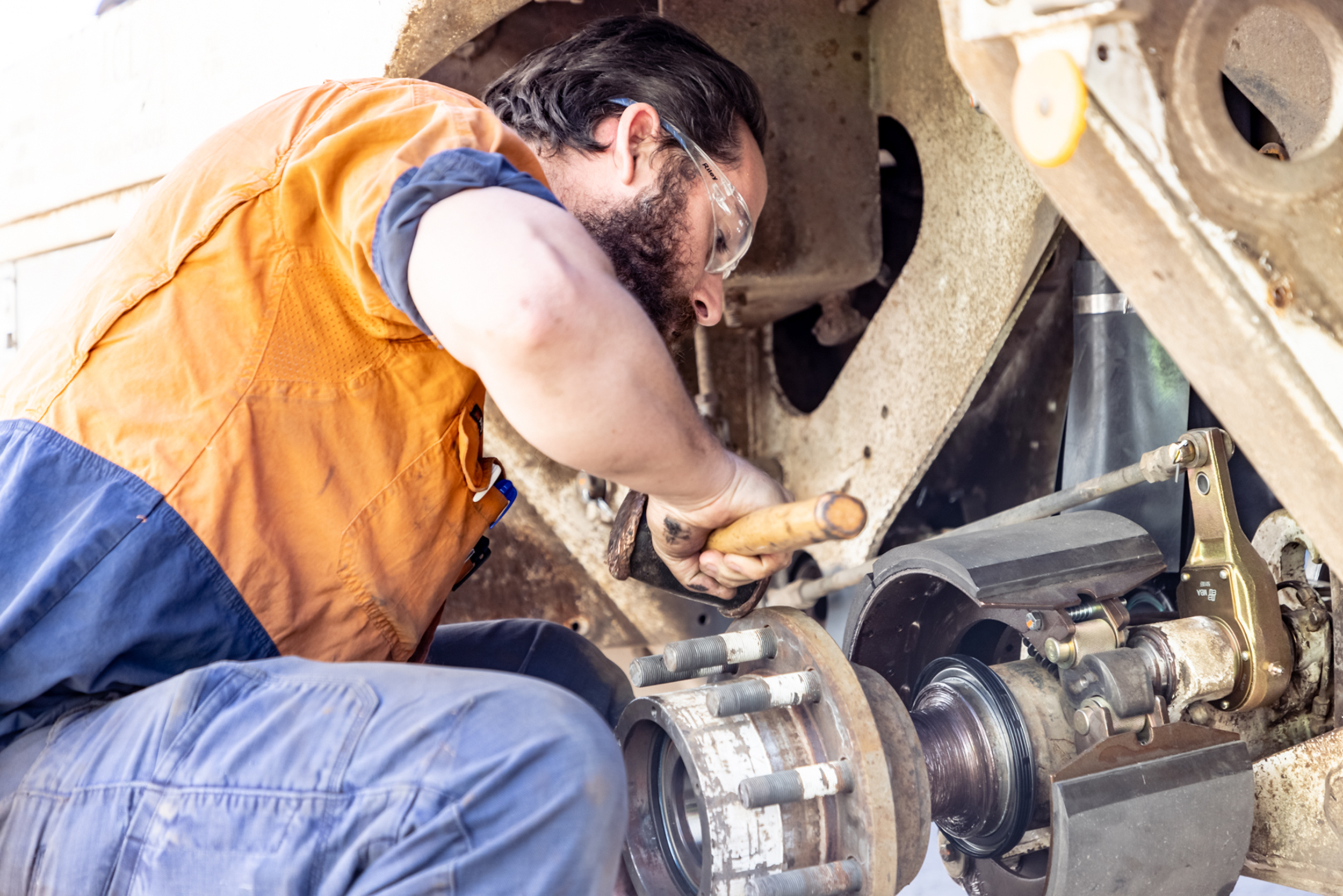 Drake service all types of transport trailer repairs jobs - onsite and in-house at our facility
