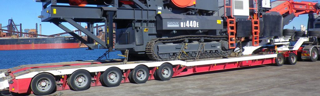 The Drake Group deliverers 1000th Rows of 4 Lowloader to Rob Stribley Transport