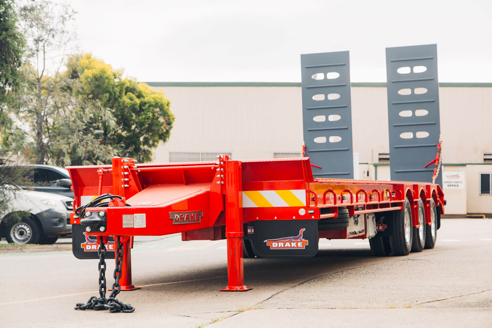 Tag and Tilt Trailers
